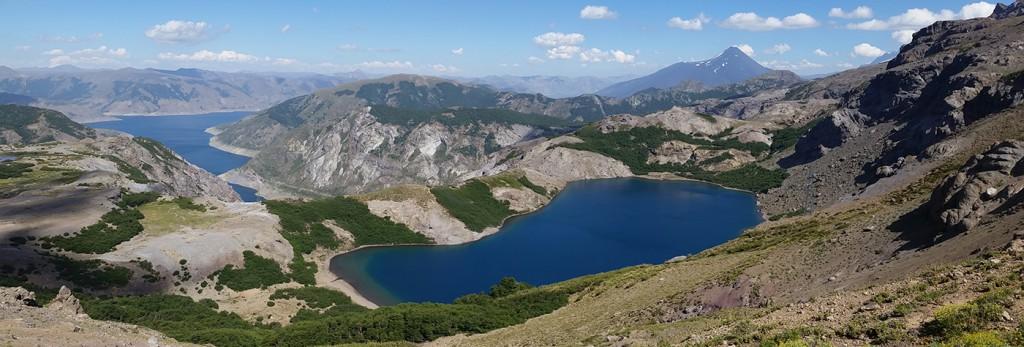 La Laguna del Laja esconde hermosos paisajes, como esta aislada laguna sobre la Cordillera de Polcura.