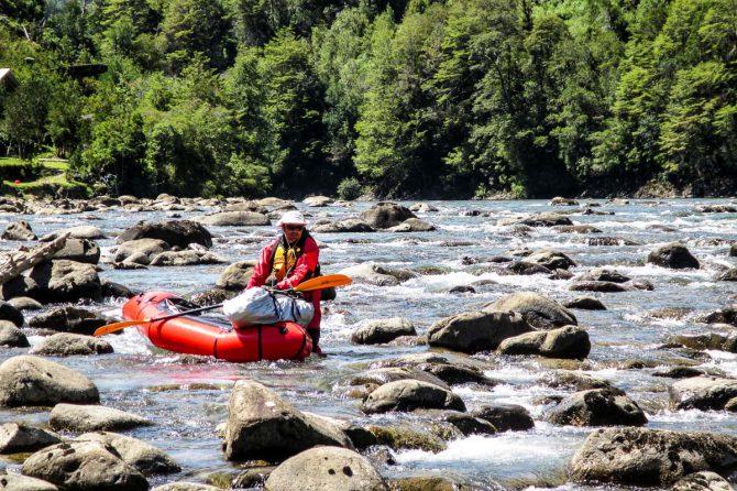 Navegando el río Puelo